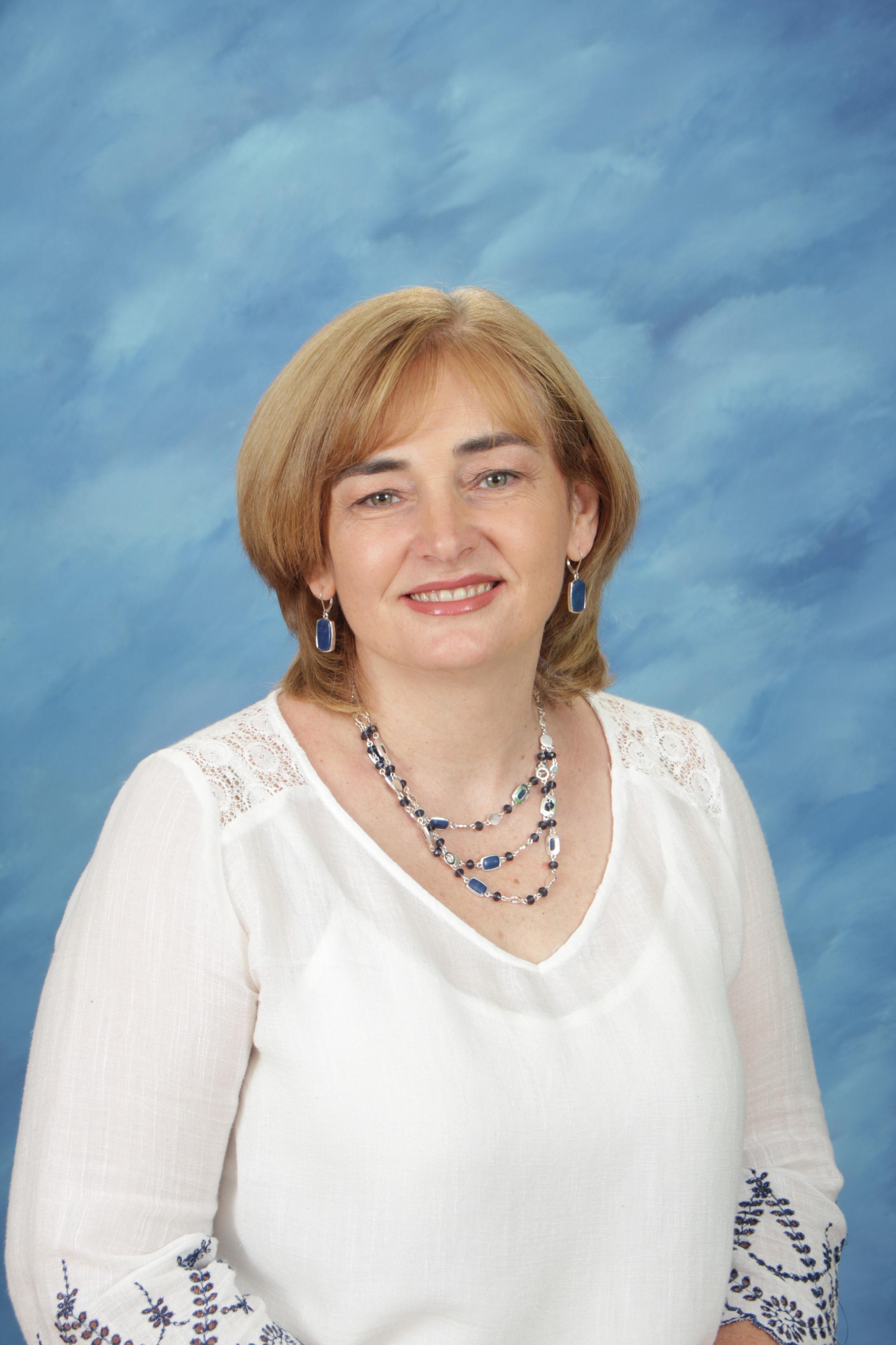 Julia Elliott