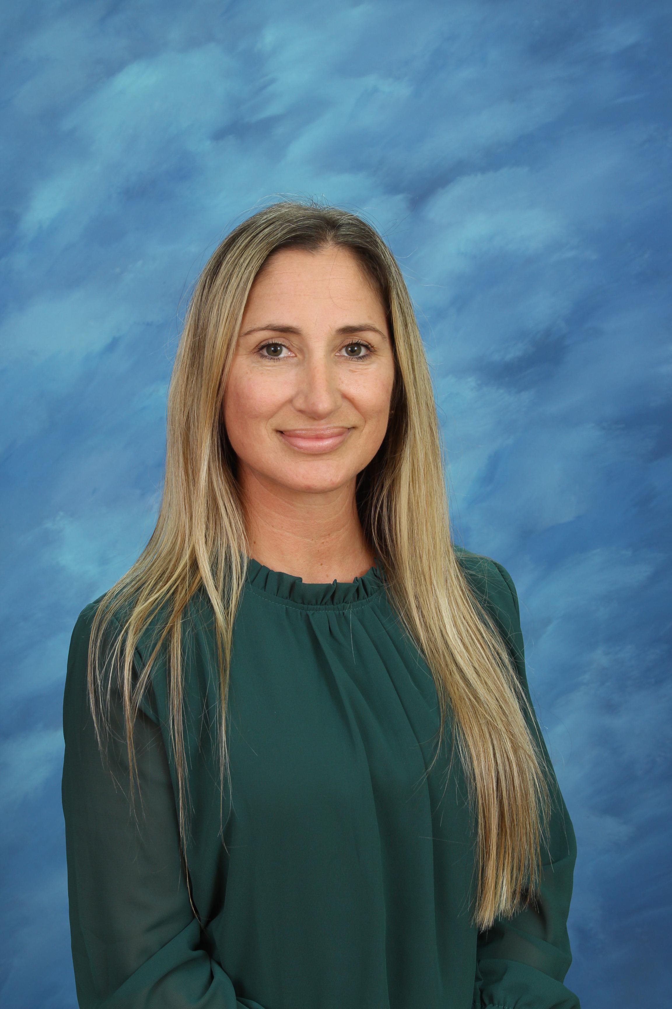 Yvette (Evie) Irizarry